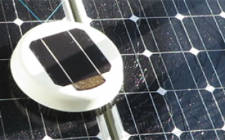 Конструктор из Нидерландов создал робота на солнечной батарее, который чистит солнечные панели