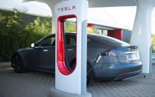 Tesla Motors покроет зарядными станциями всю Америку к 2015 году
