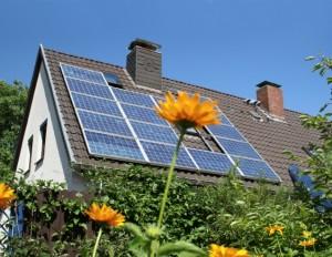 http://www.ekopower.ru/wp-content/uploads/2010/11/solar_house1-300x232.jpg