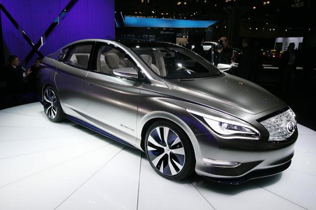 Nissan выпустит четыре электромобиля, включая европейскую версию Leaf