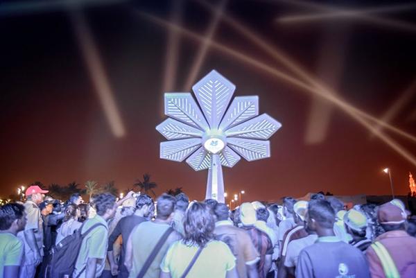 Искусственные пальмы на солнечных батареях появились в Дубае
