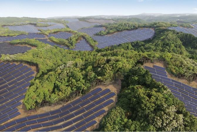 В Японии заброшенные поля для гольфа переделывают в солнечные фермы