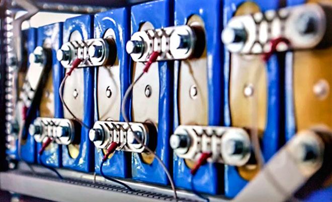 Первая углекислотная батарея которую можно перезаряжать 500 раз